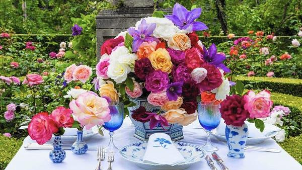 hc-pic-roses-tablesetting-jpg-20160415