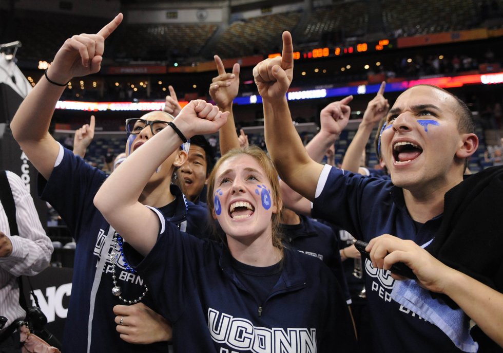 uconn vs. louisville for national title game... Please make sure to get pix afterward if the team poses together. Last game for Fari