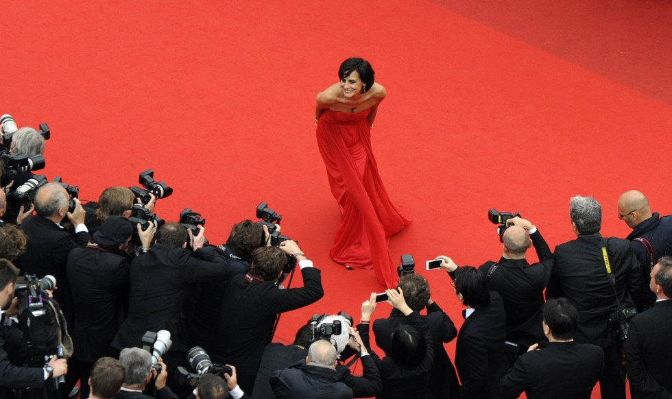 "French model and designer Ines de la Fressange arrives for the screening of the film ""Young and Beautiful,"" May 16, 2013, at the 66th edition of the Cannes Film Festival in Cannes, France. AFP PHOTO / POOL / OLIVIER ANRIGOOLIVIER"