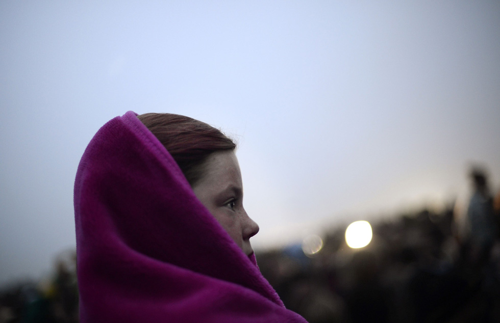Thousands gathered at the ancient Stonehenge monument in England to celebrate the summer solstice. REUTERS/Dylan Martinez