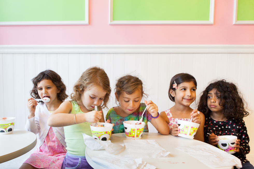 2013.06.12 - West Hartford, CT - Maya Aronson, 6, Sophia Davidson, 6, Erica Kahn, 5, Julia Singh, 6, and Priyanka Magavi, 6, from the Montessori School of Greater Hartford celebrate the end of the school year with frozen yogurt at Sweet Frog in West Hartford. Photograph by Will Parson | wparson@courant.com