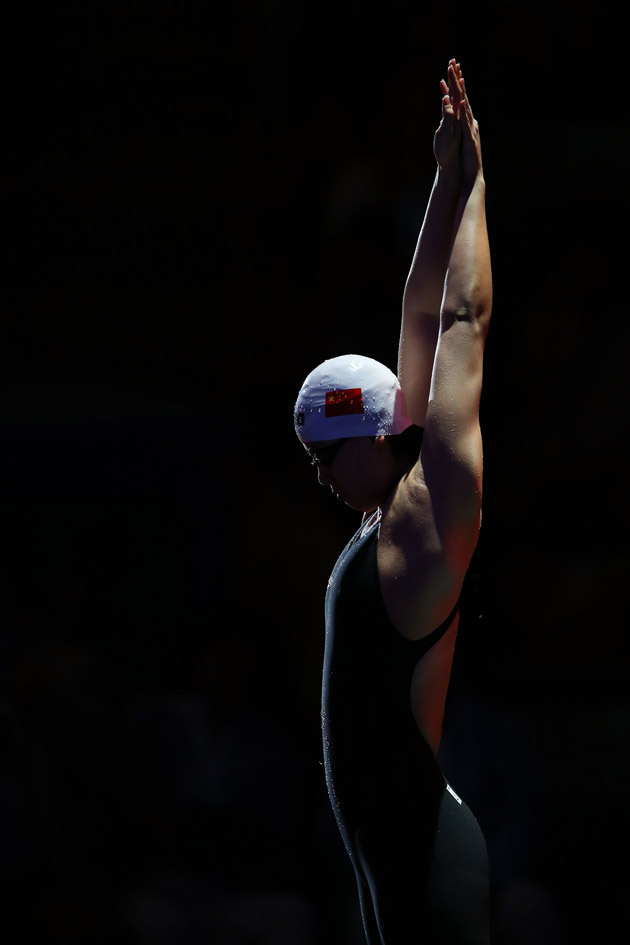 Preparing to compete in the Swimming Women's 100m Backstroke Final on day eleven of the 15th FINA World Championships in Barcelona. (Photo by Clive Rose/Getty Images)
